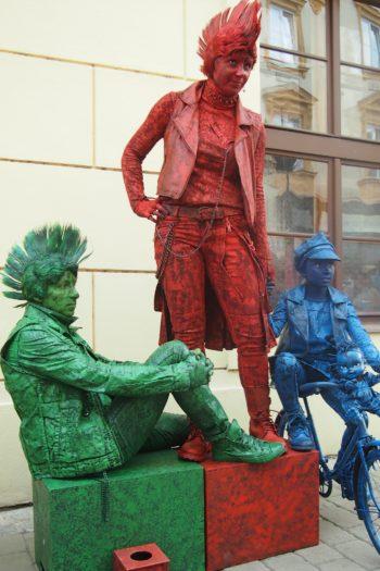 Živé sochy Sinela Punk