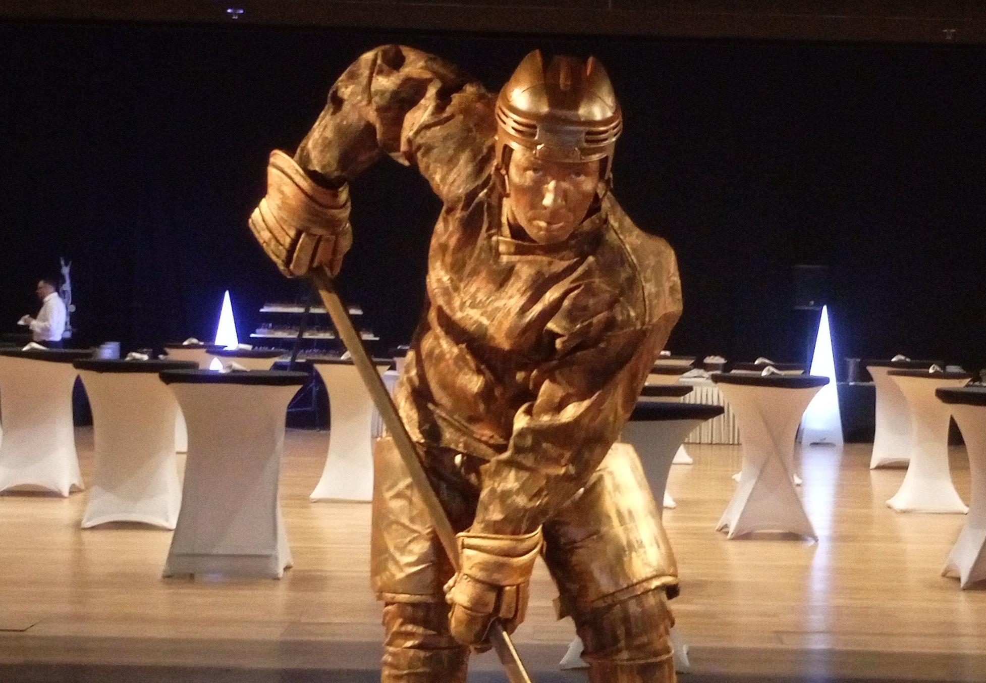 Živé sochy Sinela Hokejista